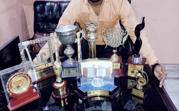 subhash-beniwal-with-lic-awards-licindiagov.in